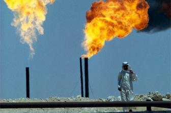 Саудовская Аравия не собирается сокращать добычу нефти