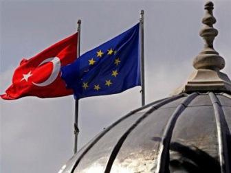 Чтобы Турция могла выйти из миграционного кризиса, Евросоюз удвоит ей помощь