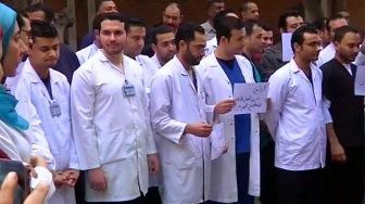 Терпению египетских врачей пришел конец