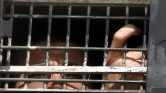 Невыносимые условия заточения побудили людей объявить бессрочную голодовку