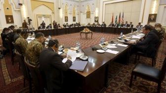 Откладываются переговоры между афганским правительством и организацией «Талибан».