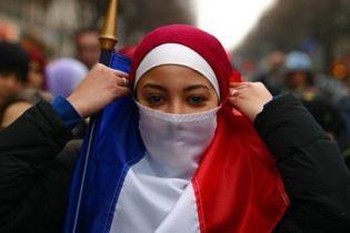 Француженки заступились за хиджаб