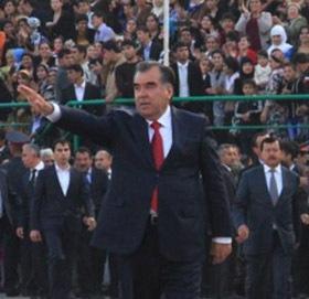 """Новый """"праздник"""" в Таджикистане - день Рахмона"""