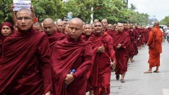"""""""Толерантная религия"""": буддистские монахи против слова """"рохинья"""""""