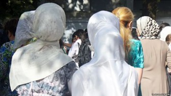 Таджикистан: год тюрьмы за освещение задержания мусульманок