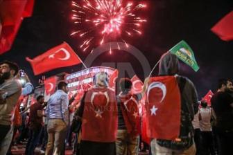 Турецкий Курдистан протестует против мятежа