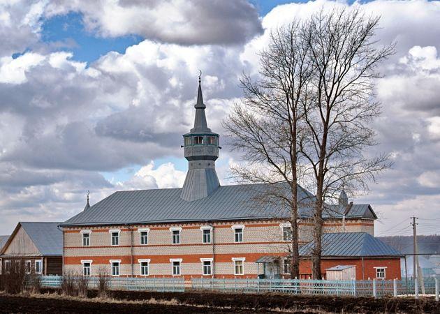Мордовия: в татарском селе в школе запрещают носить хиджаб
