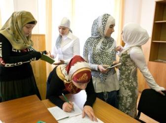 Тамбов: носишь хиджаб - учись дома