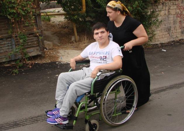 """""""Герои нашего времени"""". 17 летний мусульманин инвалид разыскивает своего тайного мецената"""
