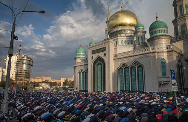 Москва байрамная: мусульмане отметили праздник