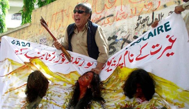 Пакистан ужесточил наказания за преступления против женщин