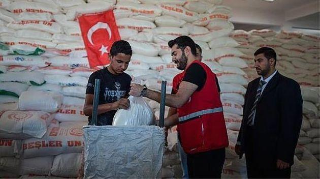 """Турция отправила в Газу помощь. Израиль выслал турецкого """"шпиона"""""""