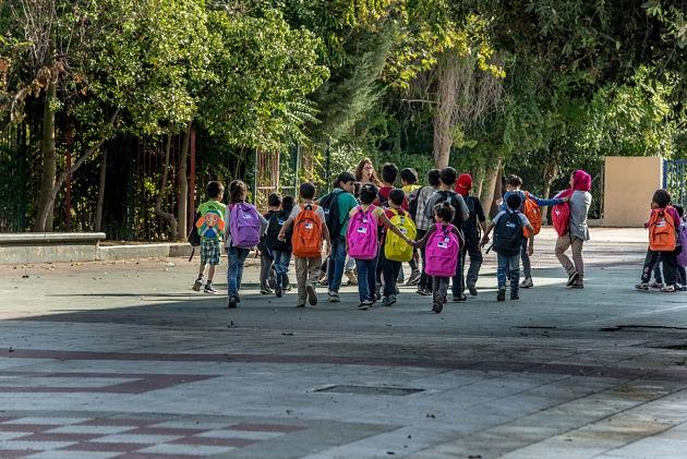 Дети беженцев в Греции пошли в школы
