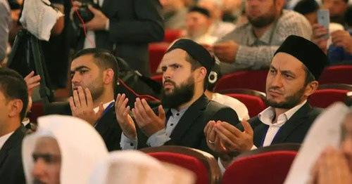 Участники мусульманского форума в Москве подвергли критике грозненскую фетву